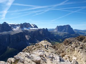 Panorama dolomitico sulla cima del Sas Ciampac